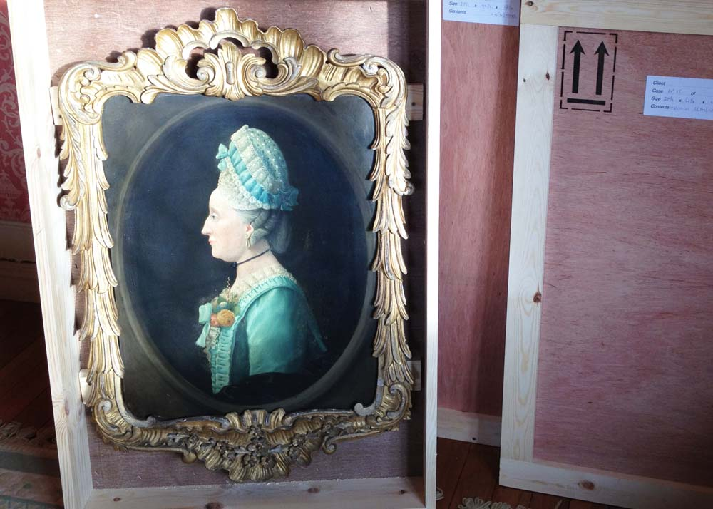 Fine art and antiques stored securely